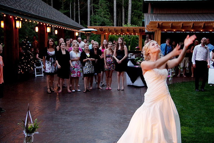 Receptions outdoor weddings receptions in bellingham for Outdoor wedding washington state