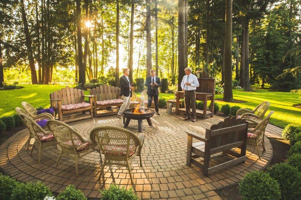 outdoor-firepit-receptions-evergreen-gardens-ferndale-bellingham