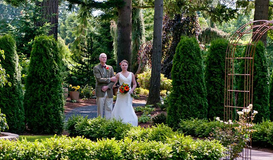 Lynden sculpture garden wedding