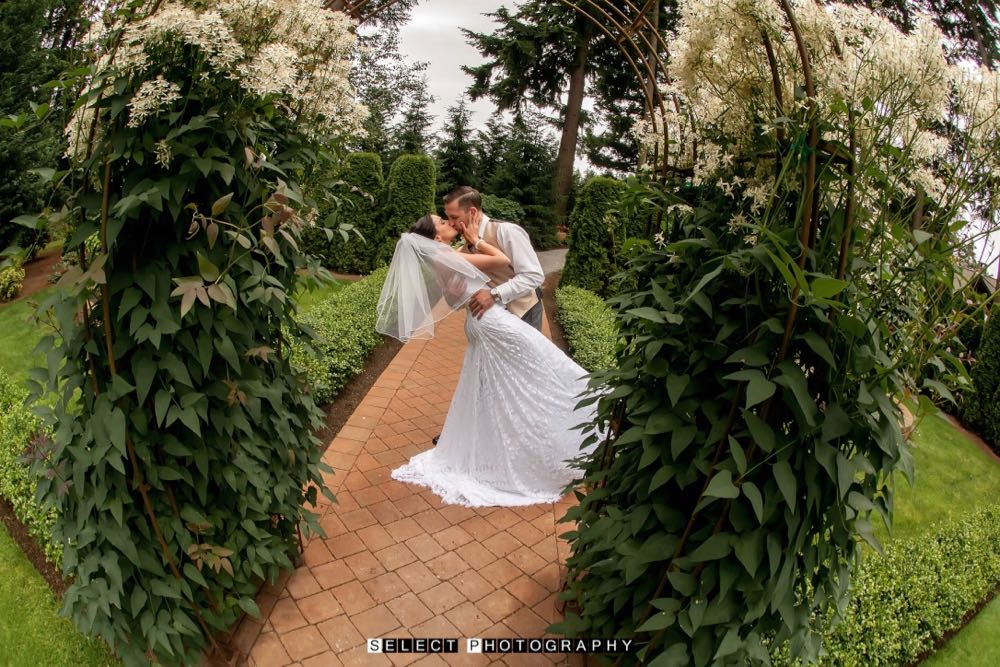 northwest-wedding-evergreen-gardens-venue-ferndale