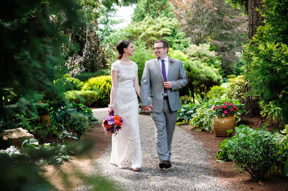venue-garden-path-grounds-evergreen-gardens-weddings-ferndale-bellingham