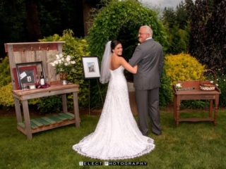 outdoor-wedding-evergreen-gardens-venue-ferndale