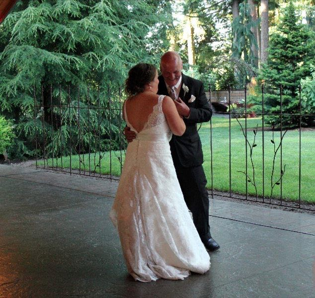 outdoor-dancing-receptions-evergreen-gardens-ferndale-bellingha