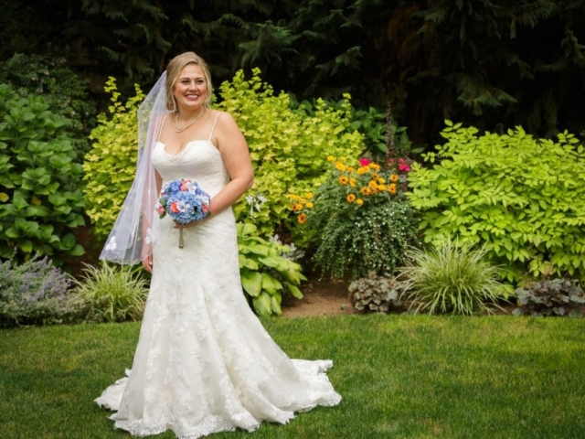 emma-josh-bellingham-wedding-venue-evergreen-gardens-washington