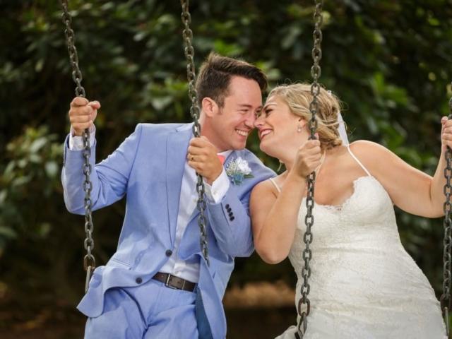emma-josh-bellingham-wedding-venue-evergreen-gardens-swing