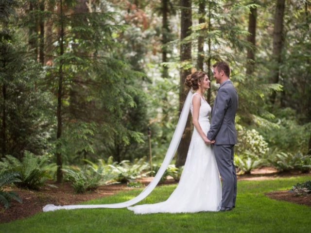 melinda-joshua-evergreen-gardens-wedding-venue-bellingham-washington