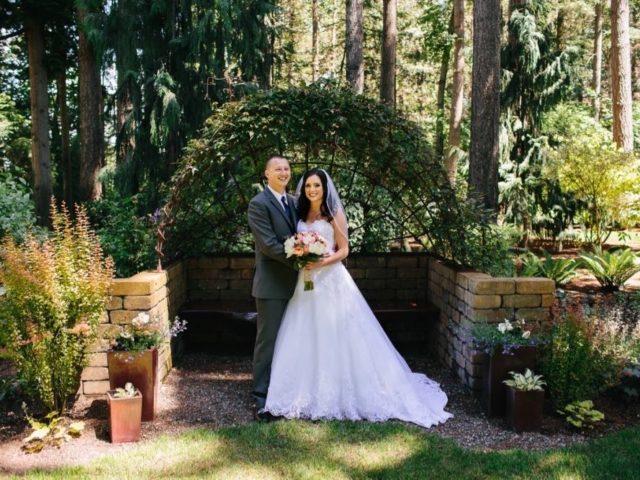 melissa-tyler-evergreen-gardens-weddings-bellingham-venue-washington
