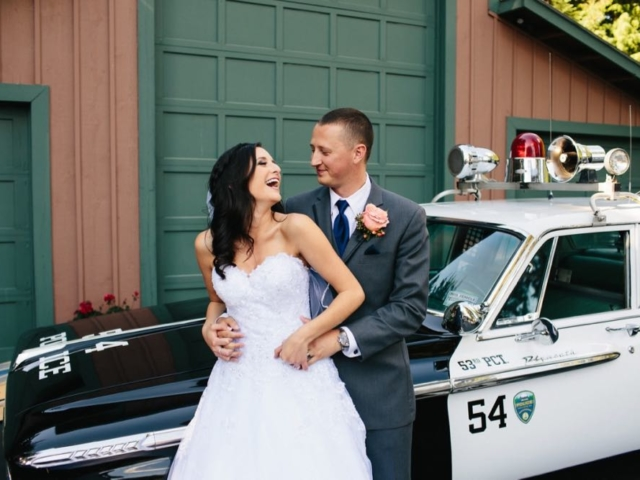 melissa-tyler-evergreen-gardens-weddings-bellingham-venue-car