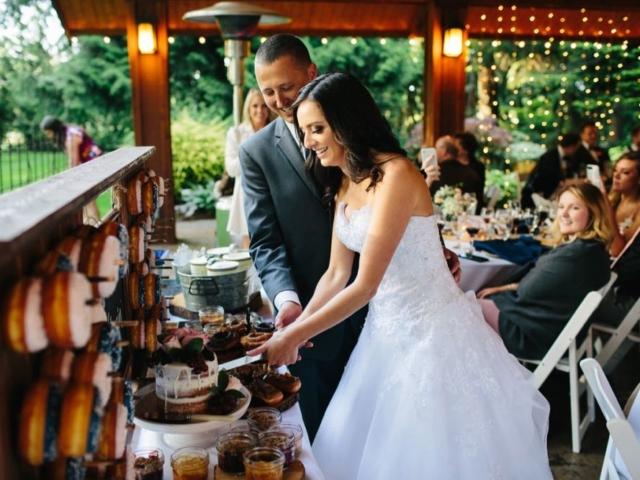 reception-evergreen-gardens-weddings-bellingham-venue-desserts