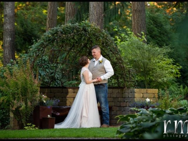 paige-micah-bellingham-wedding-venue-evergreen-gardens-pnw