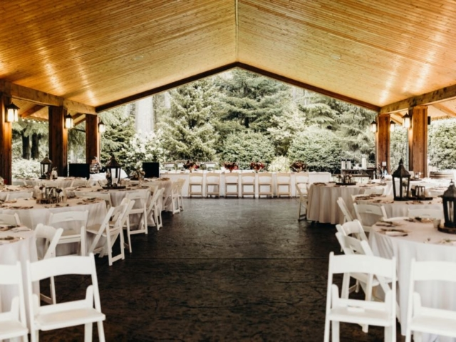 whitney-ben-evergreen-gardens-wedding-venue-bellingham-pavilion-washington